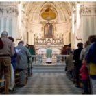 Celebrazione della messa, nessun cambiamento degli altari